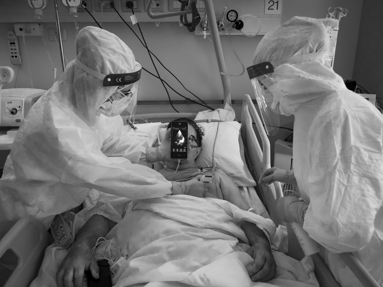 The General hospital. Respiratory Illnesses and Diseases Complex Facility. Subintensive Care Unit. Pulmonology. The area next to the room where Covid-19 patients are hospitalized in critical conditions. A lung ultrasound. Modena, Italy,