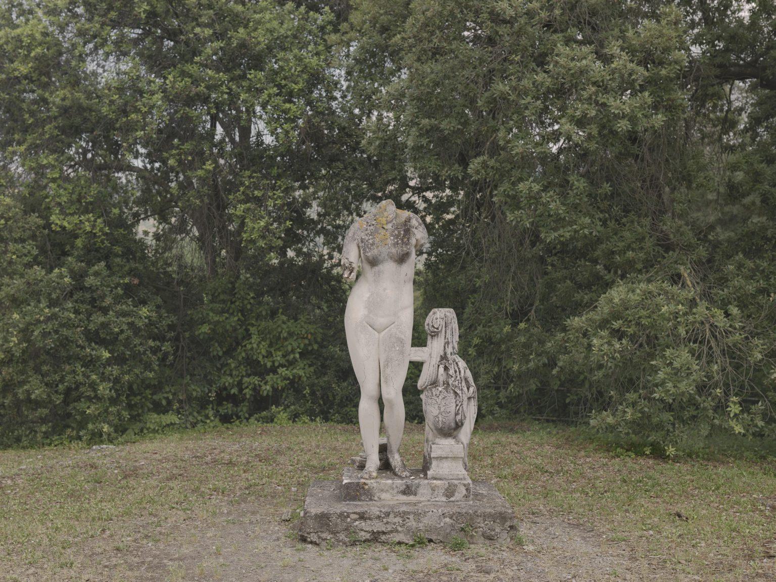 the-roman-garden-3