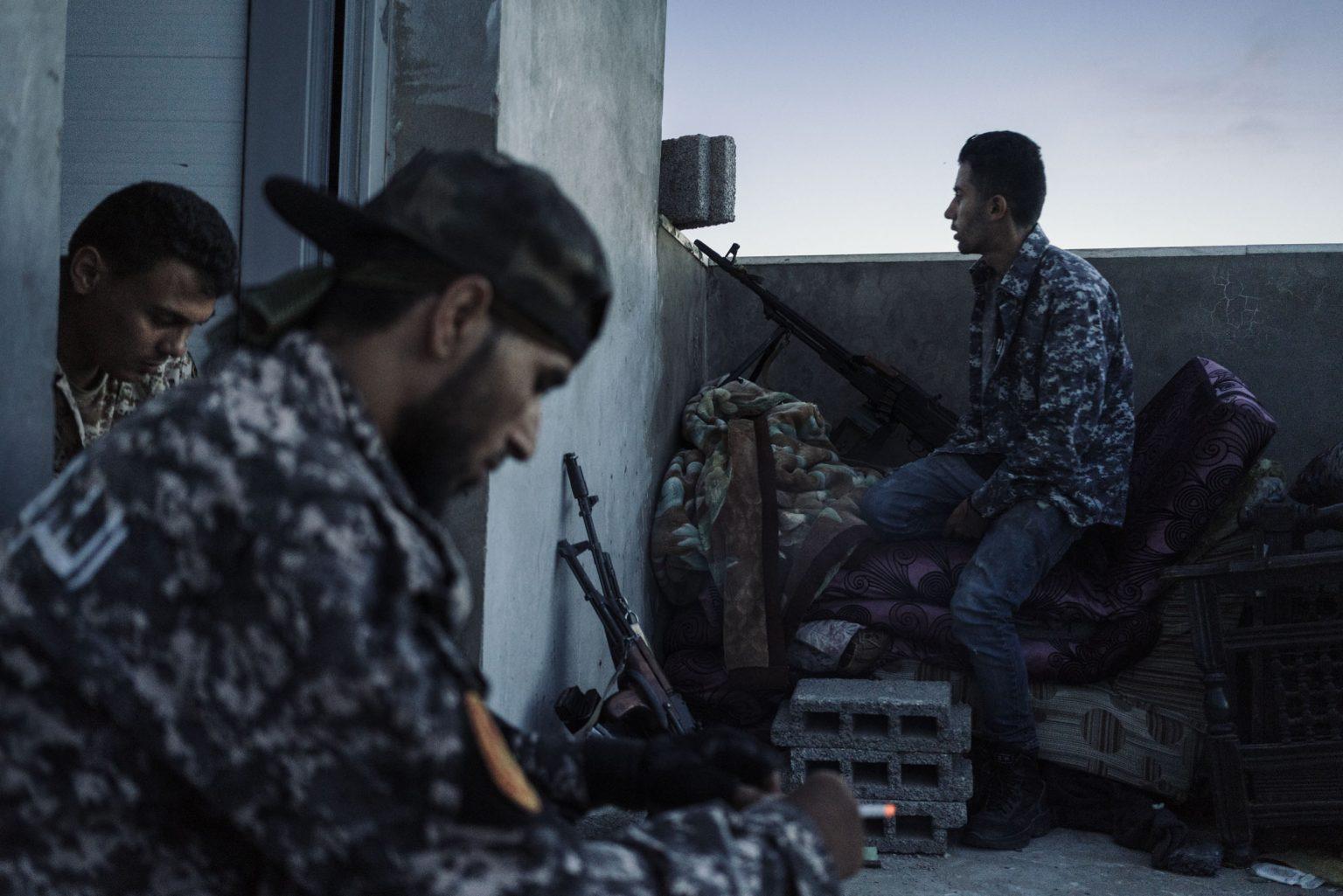 Tripoli, Libya, May 24th 2019 - al Qala frontline A sniper position on a house >< Tripoli, Libia, 24 maggio 2019 Ð Fronte al Qala. Cecchino posizionato sul tetto di una casa.