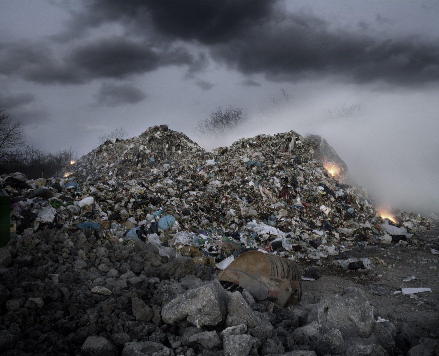 rubbish-emergency-emergenza-rifiuti-2