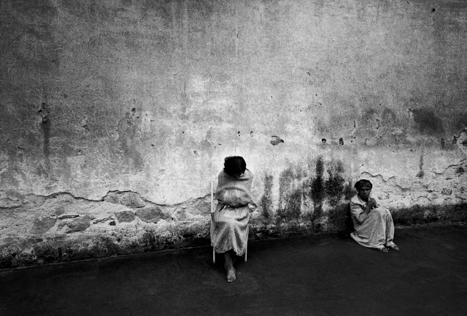 """Florence, 1968-1969 - Patients of the mental institution in the yard. ><  Firenze, 1968-1969 - Due pazienti dell'istituto psichiatrico nel cortile.<p><span style=""""color: #ff0000""""><strong>*** SPECIAL   FEE   APPLIES ***</strong></span></p>"""