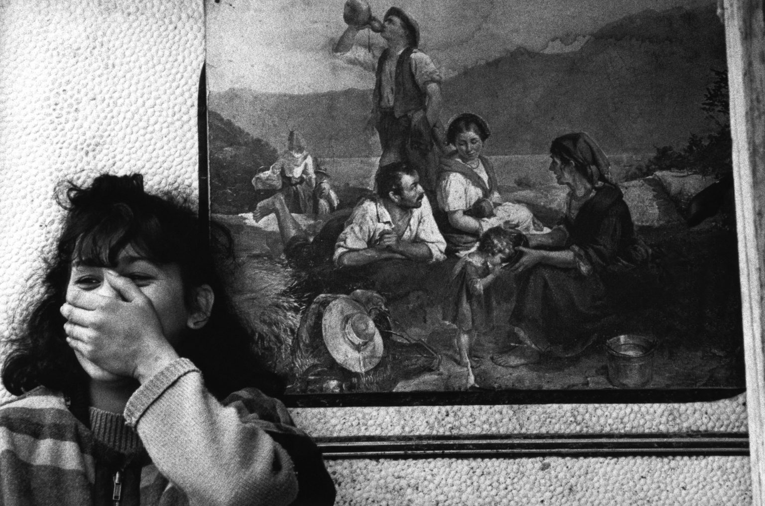 """Florence , 1993 - Nomads' camp - Gypsy girl >< Firenze , 1993 - Campo nomadi - Giovane zingara <p><span style=""""color: #ff0000""""><strong>*** SPECIAL   FEE   APPLIES ***</strong></span></p>"""