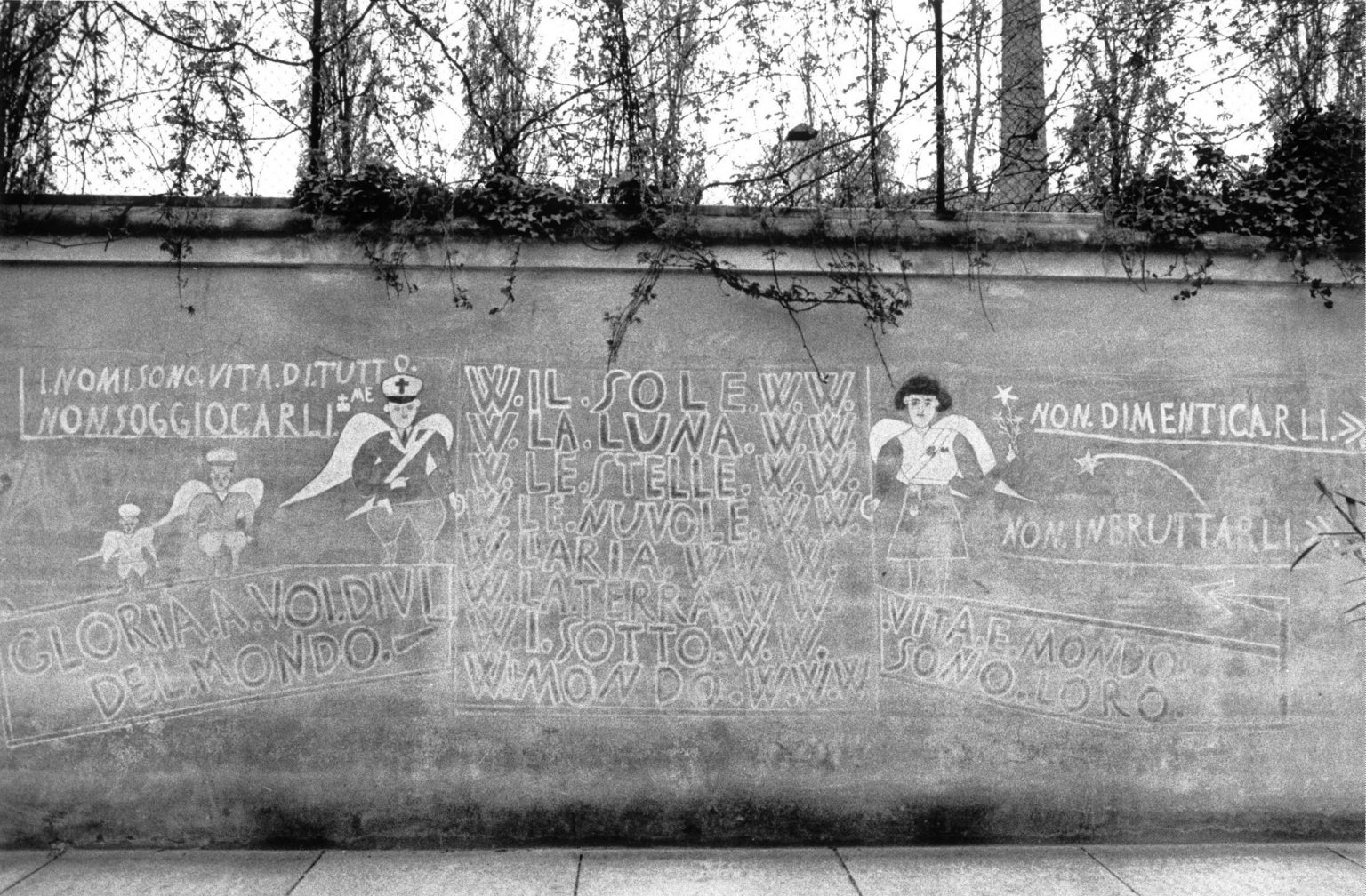 """LE SCRITTE SU DI UN MURO DELL'ISTITUTO. THE WRITINGS ON A WALL INSIDE THE INSTITUTE.<p><span style=""""color: #ff0000""""><strong>*** SPECIAL   FEE   APPLIES ***</strong></span></p> *** Local Caption *** 00103711"""