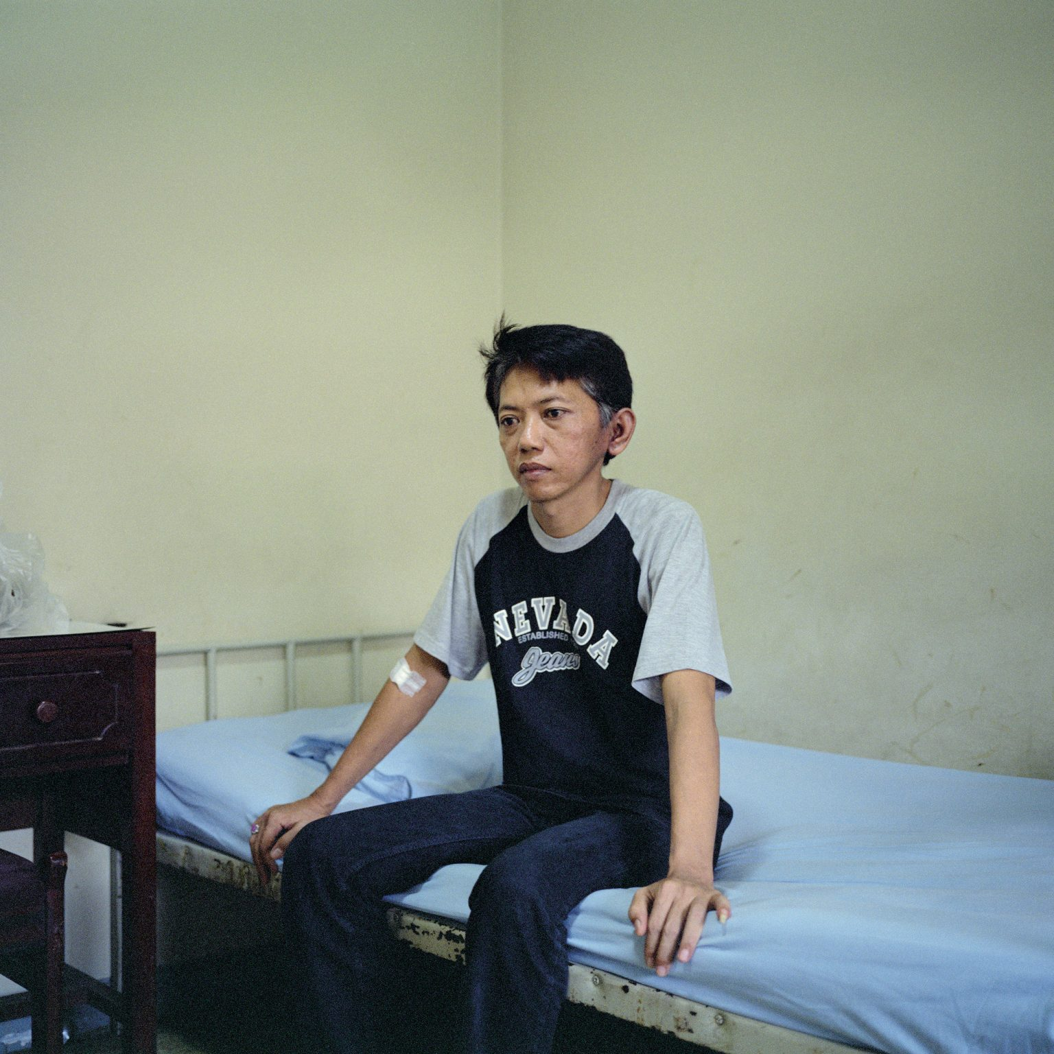 Jakarta, Indonesia. Cristian, aged 45 years, affected by a smoking-related cancer in his lung, which has spread to his brain, is now undergoing radiotherapy. In Indonesia, such therapies are not paid for by the government, and a cycle of radiotherapy costs between USD 1,800 to 2,400, an amount that few people can afford. Cigarette smoking causes the death of about 200,000 Indonesians each year. The number of smokers in growing economies is increasing, together with the rate of smoking-related cancers. In the 1990s smoke killed 4 million people in the world, with 50% in low and middle income-countries; today that number has risen to 6 million, with about 80% of the deaths occurring in low and middle income countries.