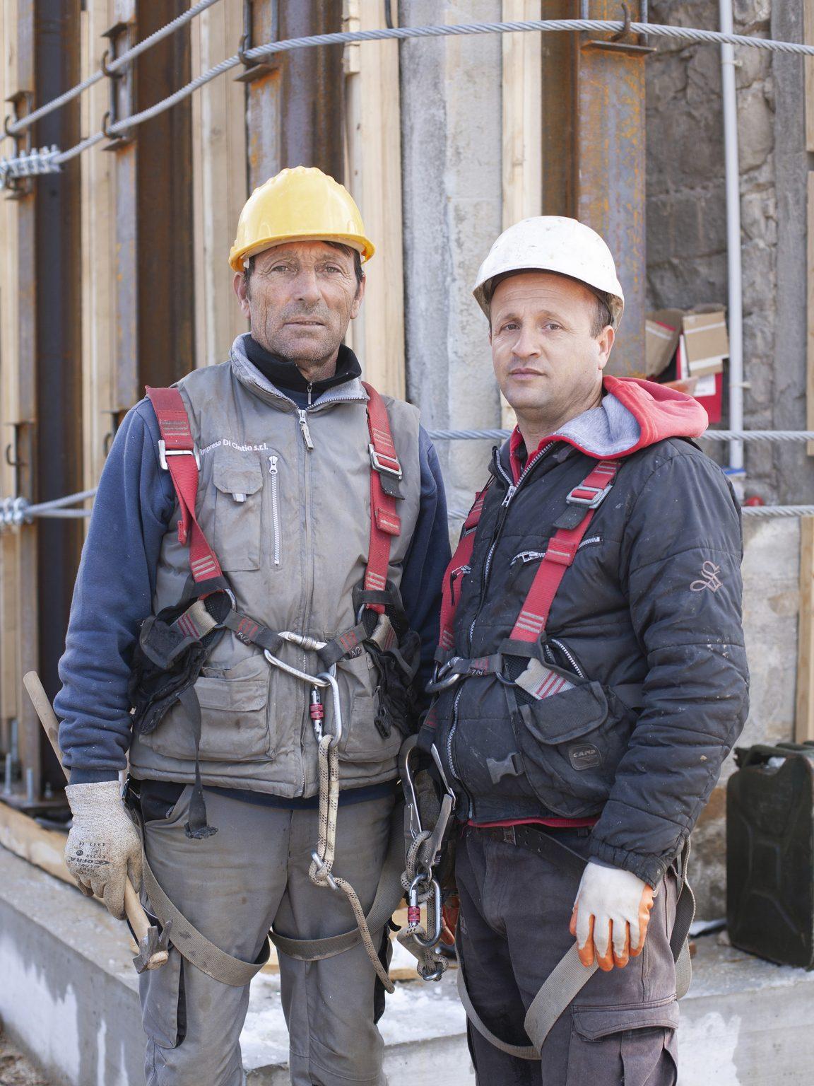 Antonio Cagnazzo e Imer Bektesov  Antonio e Imer, operai specializzati, durante i lavori di messa in sicurezza della torre civica di Amatrice.