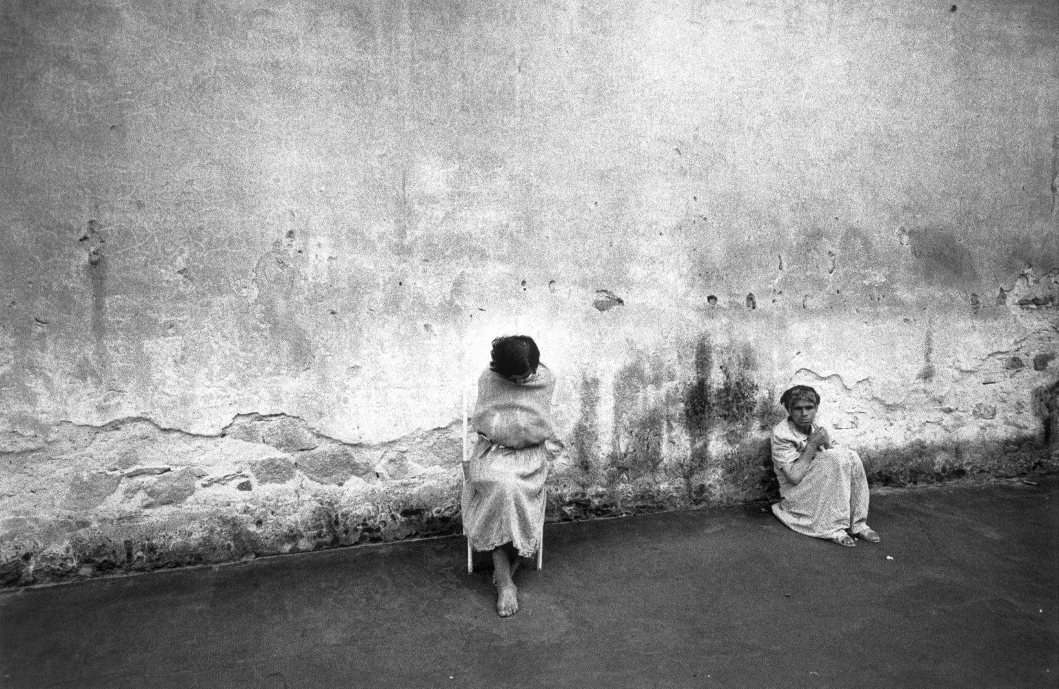 FLORENCE 1968 - PATIENTS OF A MENTAL HOSPITAL - FIRENZE 1968 - PAZIENTI DI UN ISTITUTO PSICHIATRICO  *** Local Caption *** 00103787