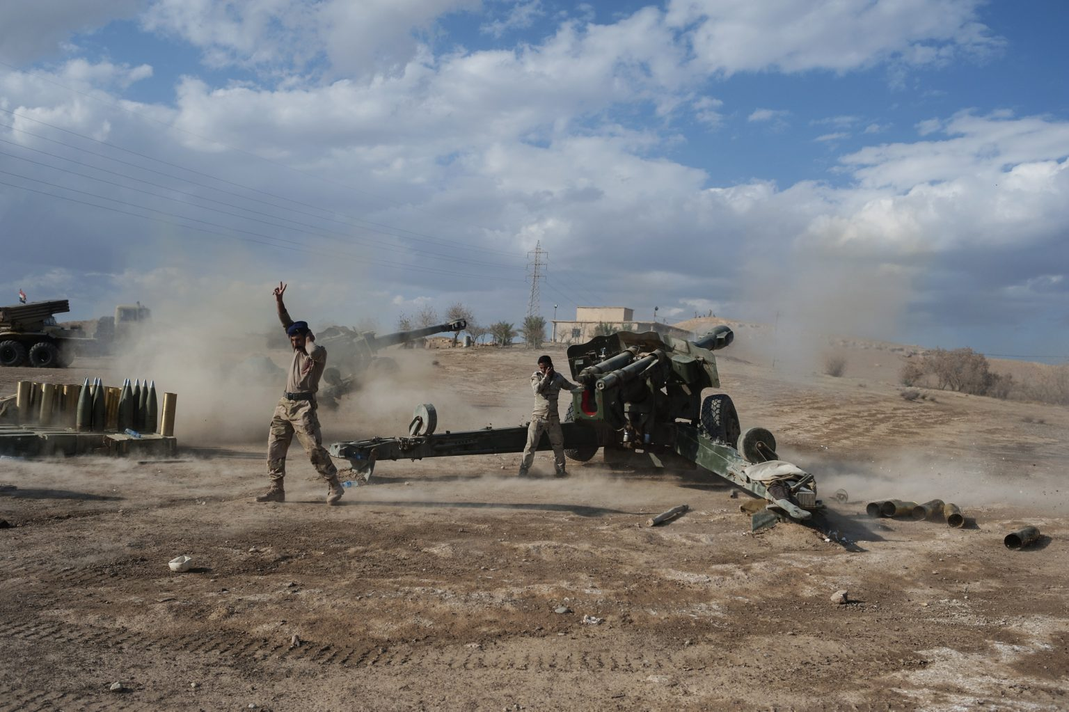 Basuna, Iraq - November 2nd 2016 - Iraqi army shooting artillery on the village of Basuna during the assault by the army agaist the ISIS positions. Ph.Giulio Piscitelli