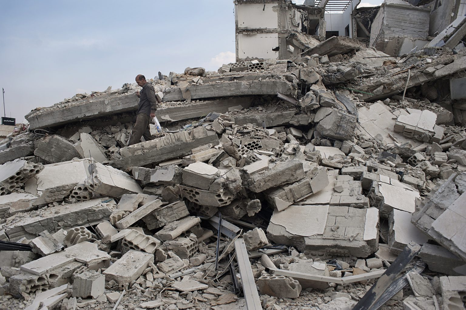 Syria, Al Quasyr - A destroyd building in the centre of the city after the bombing from the army of the regime of Bashar Al Assad. Ph.Giulio Piscitelli