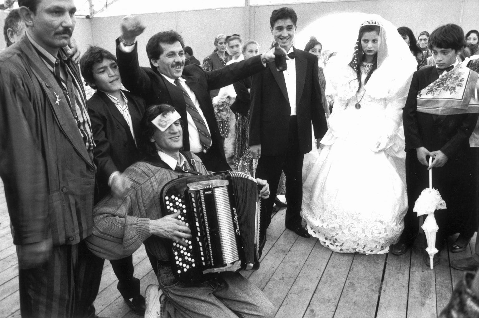"""FIRENZE 1993 - CAMPO NOMADI, MATRIMONIO ZINGARO - FLORENCE 1993 - INSIDE THE NOMADS CAMP , GYPSIE MARRIAGE<p><span style=""""color: #ff0000""""><strong>*** SPECIAL   FEE   APPLIES ***</strong></span></p>"""