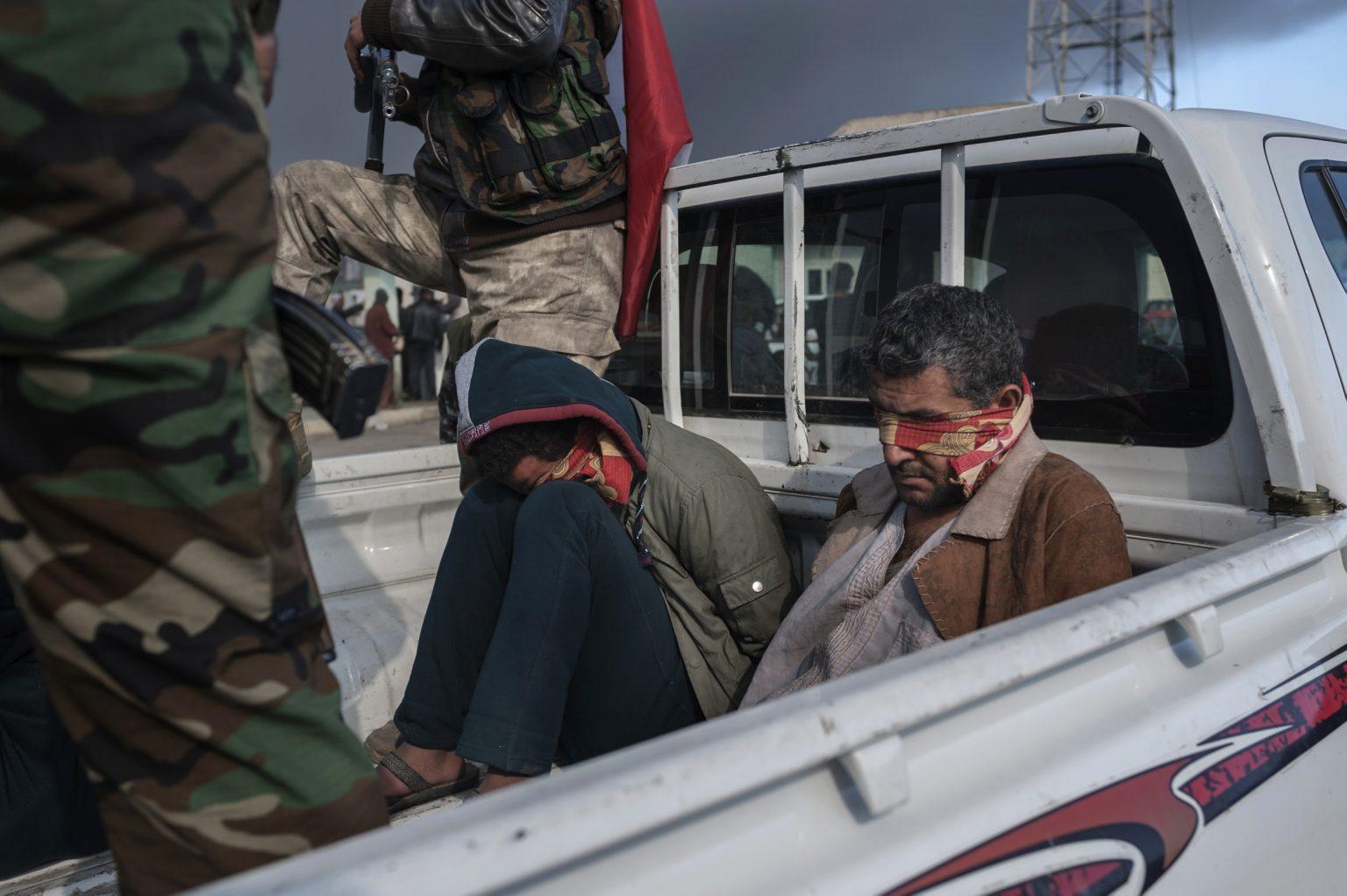 Qayyara, Iraq, November 11th ?2016 - Suspected Islamic State? members, arrested by the Popu?lar Mobilization Units.  —————— Qayyara, Iraq, 11 novembre 2016 - Sospetti membri dello Stato Islamico, arrestati dalle Unità Popolari di Mobilitazione.