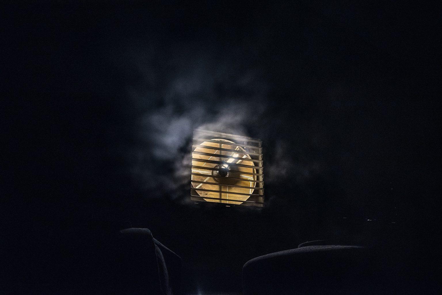 An outdoor fan of a broiler farm. The air in and out of these places is unbreathable. Emilia Romagna. January 2017.  Una ventola esterna di un allevamento di polli da carne. L'aria dentro e fuori questi posti è irrespirabile. Emilia Romagna. Gennaio 2017.