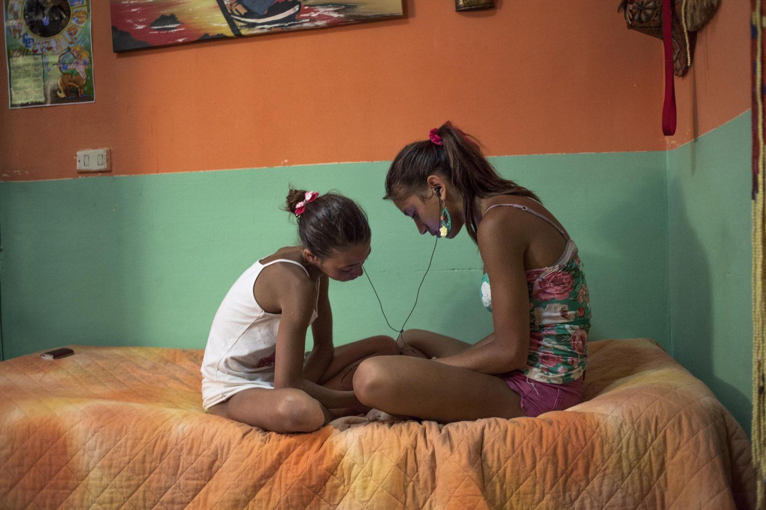 Federica and Alessandra listen to neo-melodic neapoletan music.