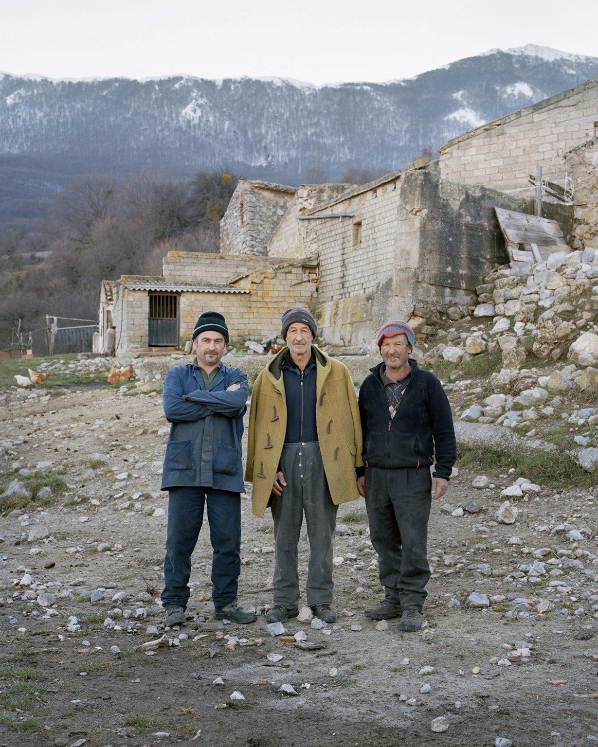 Antonio (c), Giacomo (d) e Salvatore (s), Civita (CS), febbraio 2017