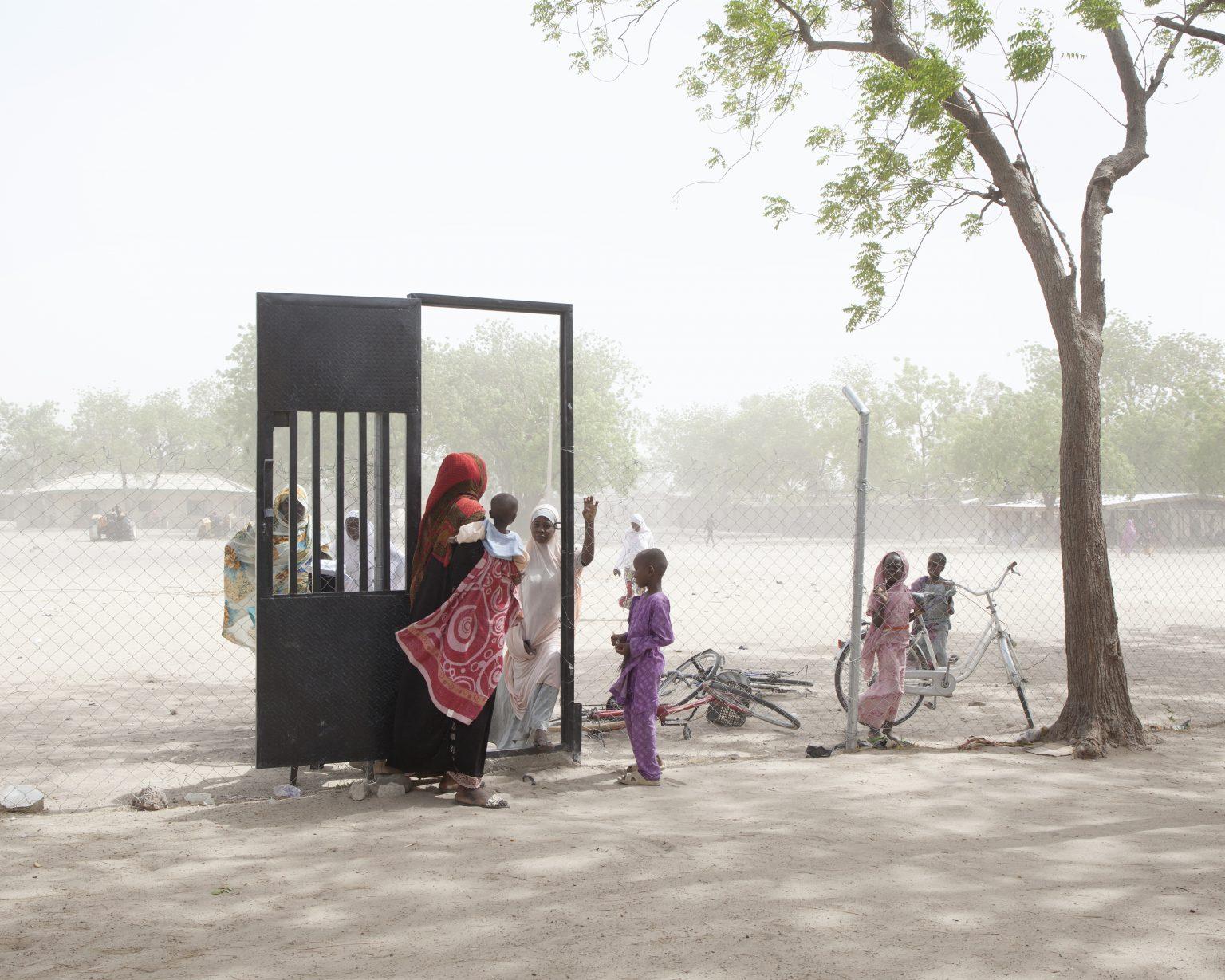 Gamboru Ngala, Borno State (Nigeria). The entrance to the primary health center in Ward C of Gamboru Ngala. After the Nigerian army regained the town, many refugees returned but very few could find their homes. >< Gamboru Ngala, Stato di Borno (Nigeria). L'ingresso al centro di salute primaria nel reparto C. Dopo che l'esercito nigeriano ha riconquistato la città, molti profughi sono tornati ma pochissimi hanno ritrovato le loro case.