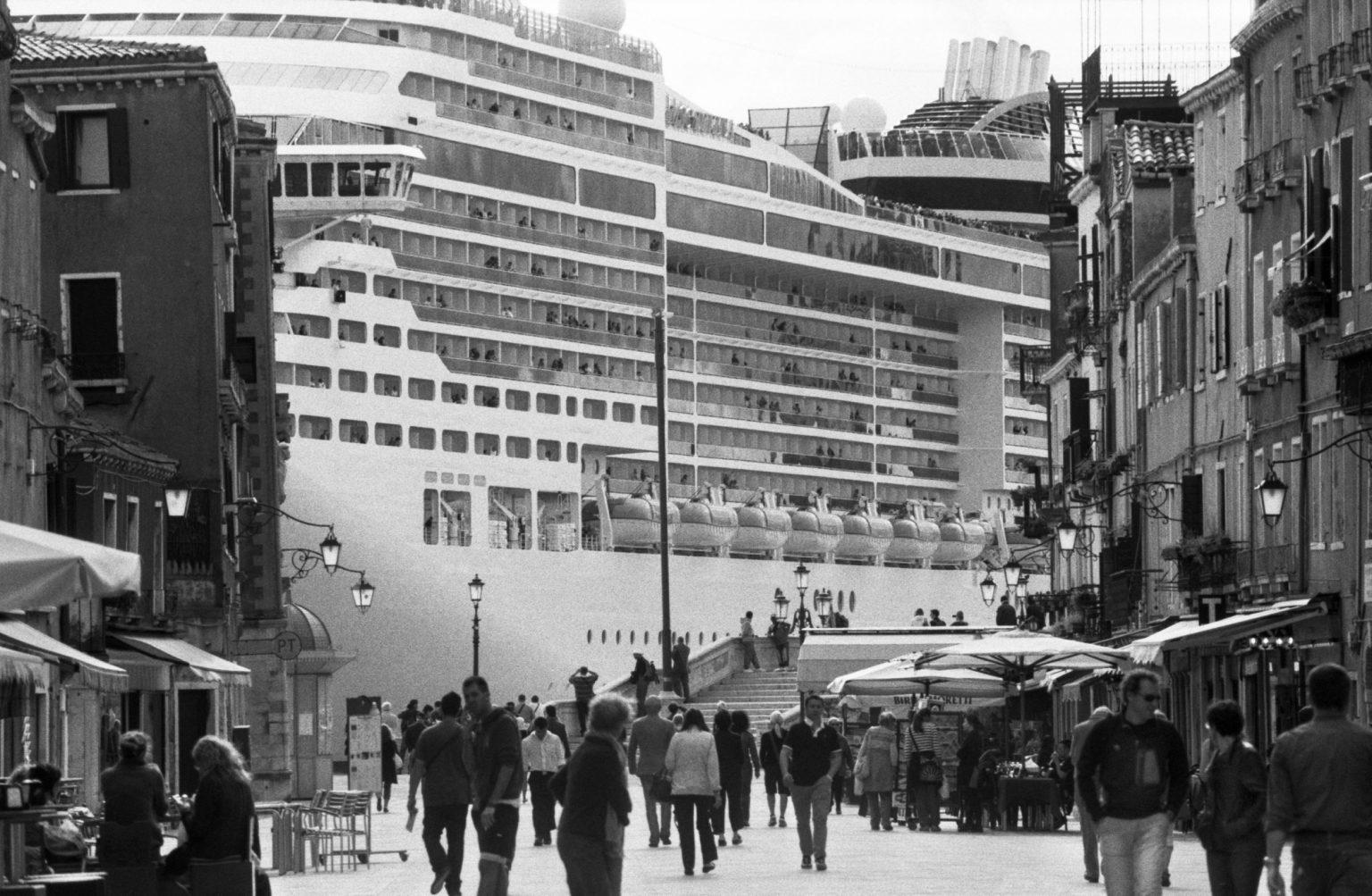 """Venice, April 2013 - Big cruise liners invade the city - MSC Divina cruise ship passing by the old town ><  Venezia, aprile 2013 - Le grandi navi da crociera invadono la città - La MSC Divina passa davanti al centro storico<p><span style=""""color: #ff0000""""><strong>*** SPECIAL   FEE   APPLIES ***</strong></span></p>*** SPECIAL   FEE   APPLIES *** *** Local Caption *** 00473489"""