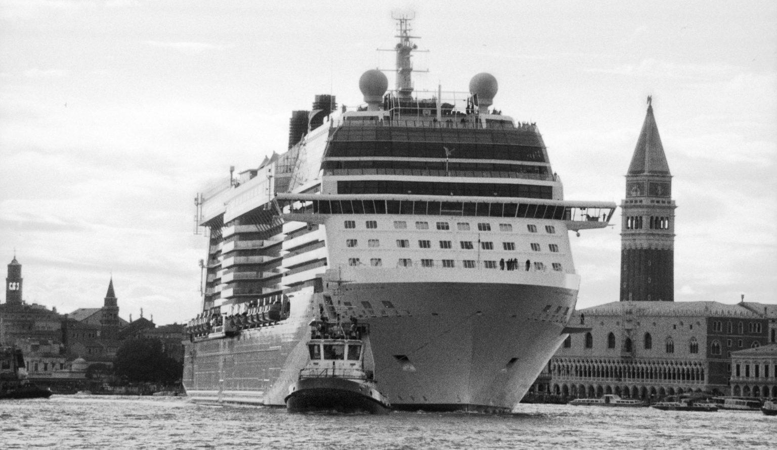 """Venice, April 2013 - Big cruise liners invade the city - Cruise ship passing by St Mark's Square ><  Venezia, aprile 2013 - Le grandi navi da crociera invadono la città - Un transatlantico passa davanti a piazza San Marco<p><span style=""""color: #ff0000""""><strong>*** SPECIAL   FEE   APPLIES ***</strong></span></p>*** SPECIAL   FEE   APPLIES *** *** Local Caption *** 00473493"""