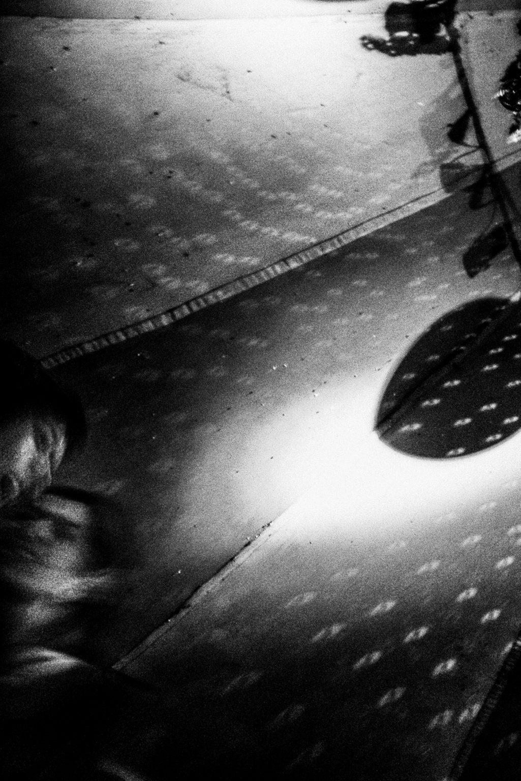 Berlin , 2009- Berlin Diary is a research that documents the margins of society; an investigation into different worlds including relationships; the loneliness of the human being; alcoholism and abuse; lovers and their conflicts and finally the relationship between people and city.A couple in a Disco Club in Kreuzberg. >< Berlino ,2009- Berlin Diary è una ricerca che documenta i margini della società; un'indagine in mondi diversi tra cui si esplorano relazioni; la solitudine dell'essere umano; L'alcolismo e gli abusi; gli amanti e i loro conflitti e infine; il rapporto tra persone e città.Una coppia in Discoteca a Kreuzberg.