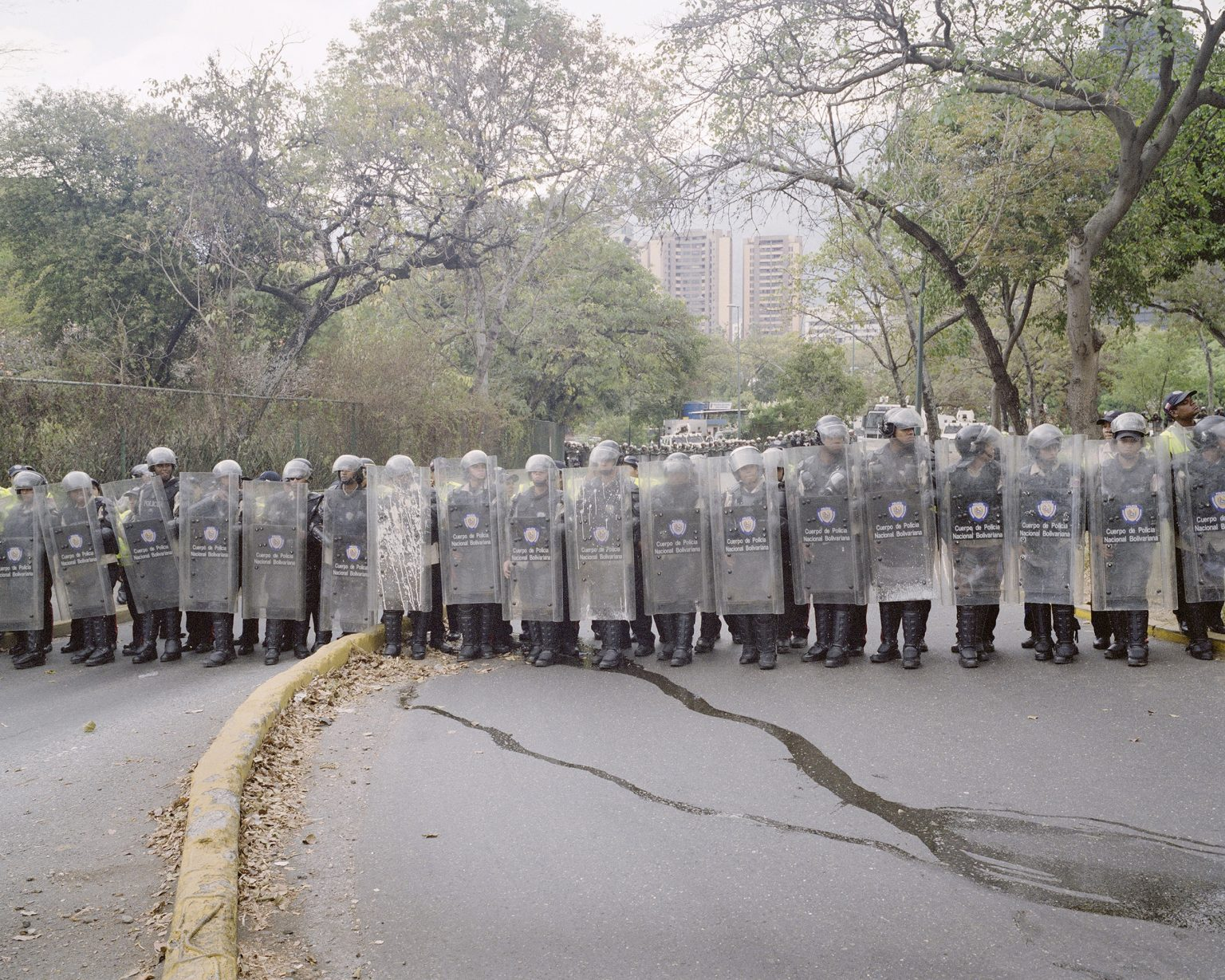 The National Guard waiting for a demostration of opposition students.