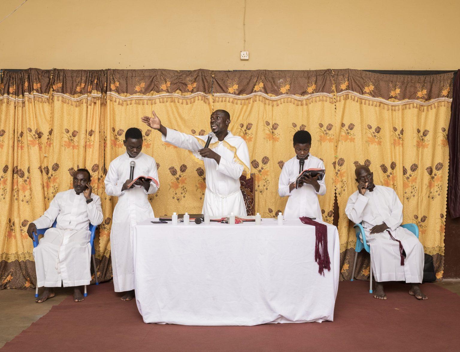 Kumasi, Ashanti Region, Republic of Ghana, April 2019 - The Sunday morning service at the True Betthel Church. ><  Kumasi, Regione Ashanti, Repubblica del Ghana, aprile 2019 - Messa della domenica mattina presso la True Betthel Church.