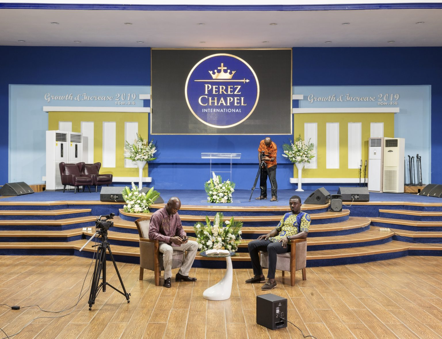 Accra, Republic of Ghana, May 2019 - Pastors of the Perez Chapel International before recording a television program at the Perez Dome. Perez Chapel International, formerly known as the Word Miracle Church International is an evangelical, Charismatic church founded in Tamale, Northern Ghana in 1987 by bishop Charles Agyinasare who is nowadays among the richest pastors in Ghana. With over 400 local branches and several abroad is one of the leading churches of the country. >< Accra, Repubblica del Ghana, maggio 2019 - Pastori della Perez Chapel International prima di registrare un programma televisivo al Perez Dome. Perez Chapel International, precedentemente nota come Word Miracle Church International è una chiesa evangelica carismatica fondata a Tamale, nel nord del Ghana nel 1987 dal vescovo Charles Agyinasare che è oggi tra i più ricchi pastori del Ghana. Con oltre 400 filiali locali e diverse altre all'estero e' tra le principali chiese del paese.