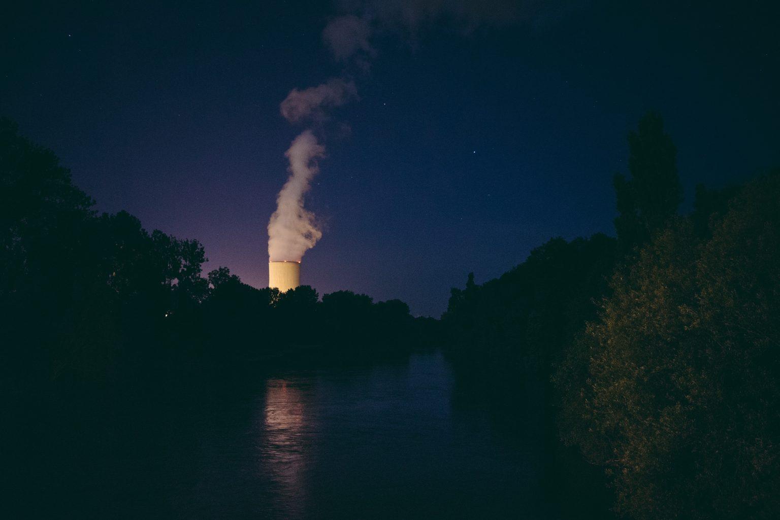 Civaux, France, May 2018 - Civaux nuclear power plant, 15 km from Tristan Plot's new home, from one of the bridges crossing the Vienne river. ><  Civaux, Francia, maggio 2018 - Centrale nucleare di Civaux, a 15 km dalla nuova casa di Tristan Plot, da uno dei ponti che attraversano il fiume Vienne.*** SPECIAL   FEE   APPLIES *** *** Local Caption *** 01489343