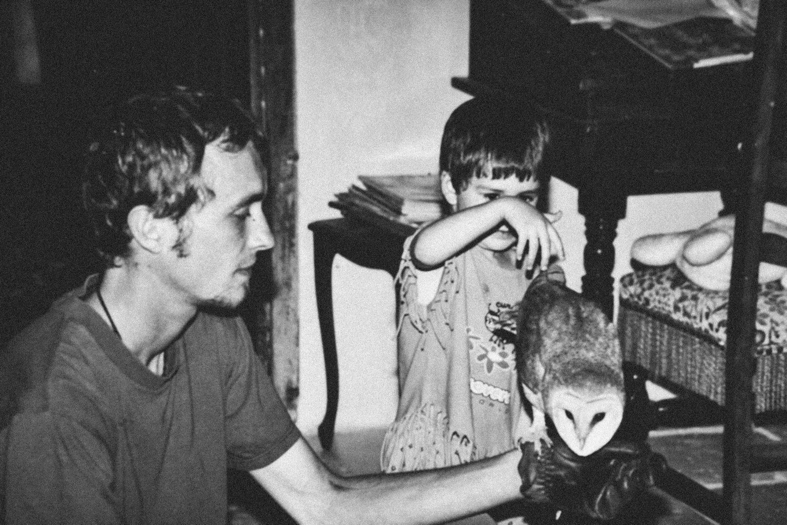 Valdivienne, France, May 2019 - Archival image, Tristan at 18 with his sister and a barn owl © Family of Tristan Plot. >< Valdivienne, Francia, maggio 2019 - Foto di archivio, Tristan a 18 anni con sua sorella e un barbagianni © Famiglia di Tristan Plot.*** SPECIAL   FEE   APPLIES *** *** Local Caption *** 01489318