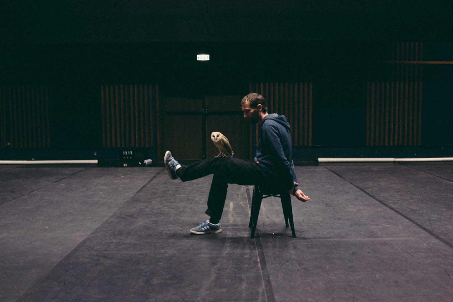 """Paris, France, January 2017 - Tristan Plot and the barn owl Boubo, during the rehearsals of the show """"La rive dans le noir"""" by Pascal Quignard and Marie Vialle, at 104 in Paris. and the barn owl Boubo, during the rehearsals of the show """"La rive dans le noir"""" by Pascal Quignard and Marie Vialle, at 104 in Paris. ><  Parigi, Francia, gennaio 2017 - Tristan Plot e il barbagianni Boubo, durante le prove dello spettacolo """"La rive dans le noir"""" di Pascal Quignard e Marie Vialle, al centro culturale 104 di Parigi.*** SPECIAL   FEE   APPLIES *** *** Local Caption *** 01489321"""
