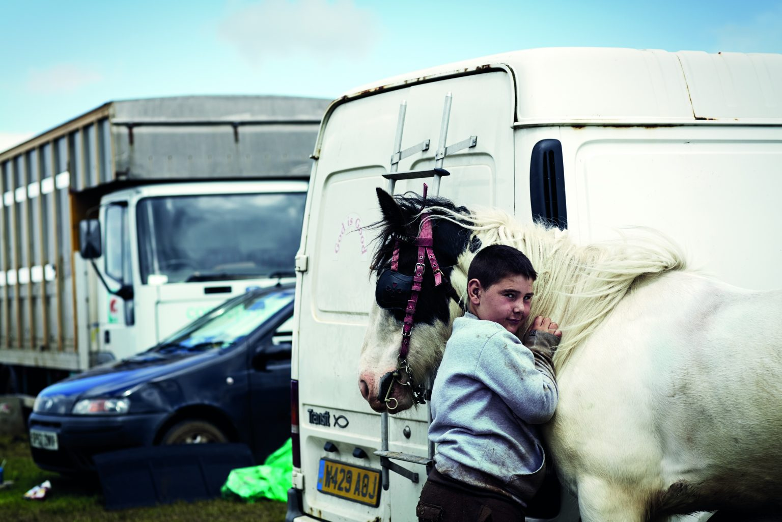 Appleby, United Kingdom, June 2014 - Appleby Horse Fair. Chris, a young gypsy, with his horse Paddy. ><  Appleby, Regno Unito, giugno 2014 - Appleby Horse Fair. Il giovane gitano Chris col suo cavallo Paddy. *** Local Caption ***