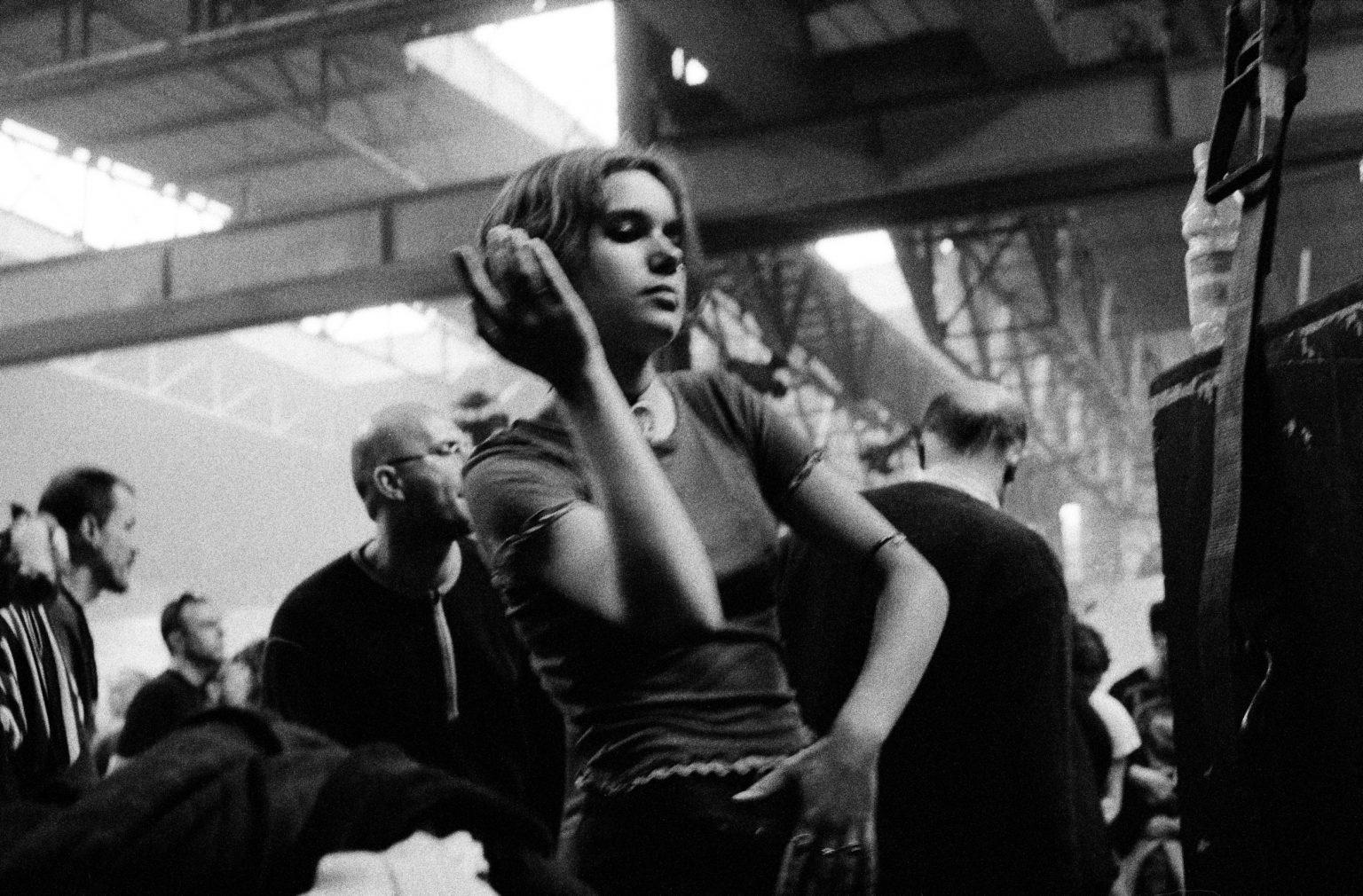 Bologna, 1997 - Girl Dancing at Centro Sociale Livello 57. >< Bologna, 1997 - Una ragazza balla al Centro Sociale 1997.