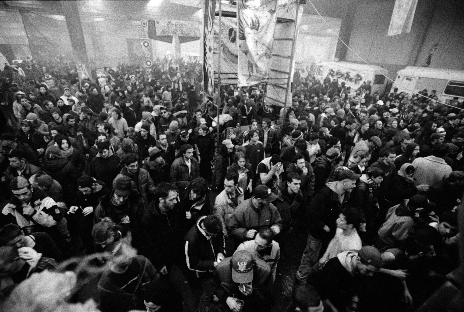 Florence, 2000 - Florence Industrial Squat Party. >< Firenze, 2002 - Sqat Party in un complesso industriale.