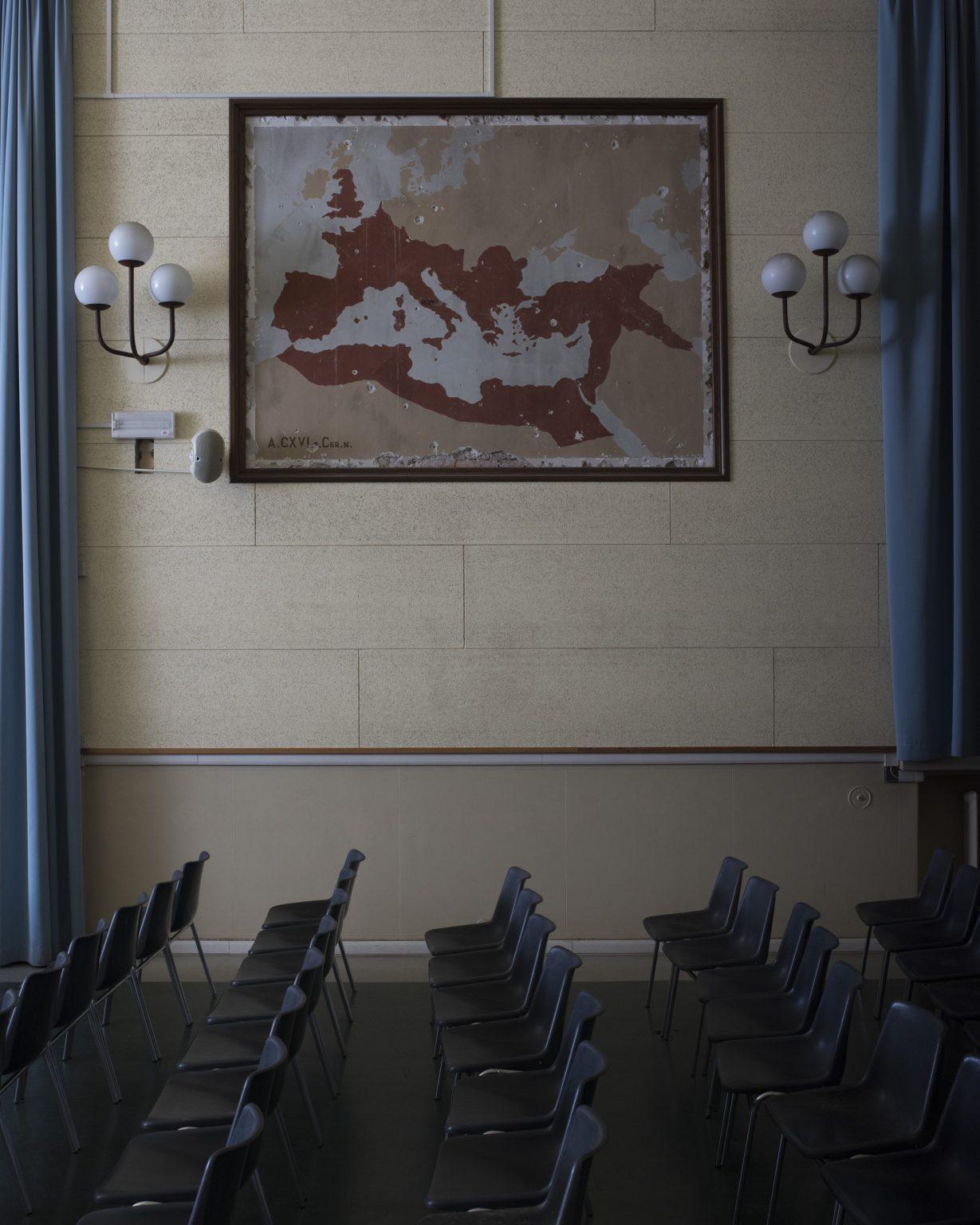 La leggenda del Piave. Treviso. Istituto Riccati - Luzzatti, inaugurato l'11 novembre 1923, giorno genetliaco di Vittorio Emanuele III, re d'Italia. Murale nell'Aula Magna che rappresenta la massima espansione dell'Impero Romano.